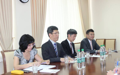The ISRS held a meeting with Japanese experts