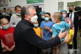 Президент навестил детей в центре гематологии