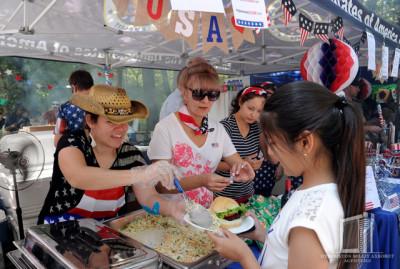 Представлены традиции мировой культуры и национальные блюда