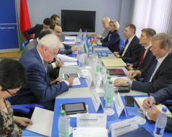 Круглый стол экспертов БИСИ и ИСМИ проходит в Минске