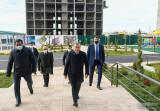 Шавкат Мирзиёев ознакомился с многоэтажными домами в Карши