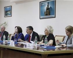 SMTIda O'zbek-Amerika davra suhbati
