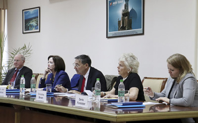 В ИСМИ состоялся узбекско-американский «круглый стол»