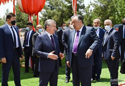Главы государств ознакомились с выставкой сельхозпродукции Таджикистана