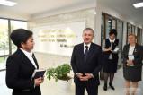 """Президент посетил центр """"Оила"""" в Термезе"""