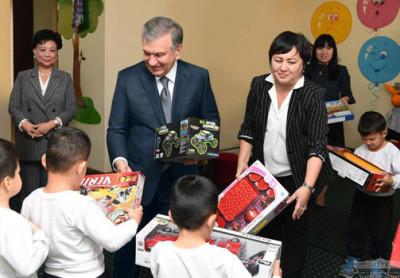 Президент посетил детский сад для детей военнослужащих
