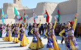 Международный фестиваль танца «Ракс сехри» проходит в Хиве