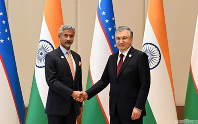 Президент Узбекистана принял министра иностранных дел Индии
