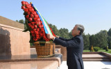 Президент Мустақиллик майдонига ташриф буюрди