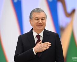 Президент поздравил женщин с праздником