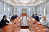 Президент Узбекистана принял министра здравоохранения России